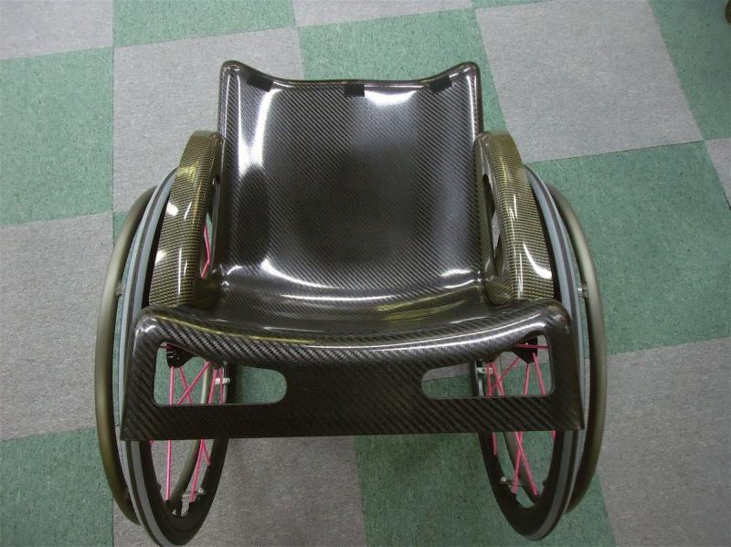 カーボン車椅子試作品