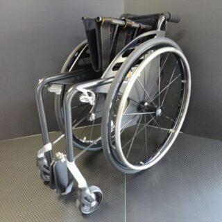 折りたたみ式 ドライカーボン車椅子